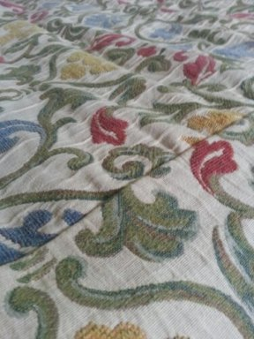 Patterned bedding