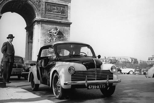 renault 4cv police pie  1953