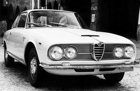 alfa romeo 2600 sprint 1961 1968 l 39 automobile ancienne. Black Bedroom Furniture Sets. Home Design Ideas