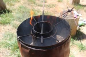 Récupération de canettes en aluminium (en train de fondre doucement sur le feu)