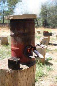 Rocket Stove (poëlle à bois fabriqué avec de la récup!)