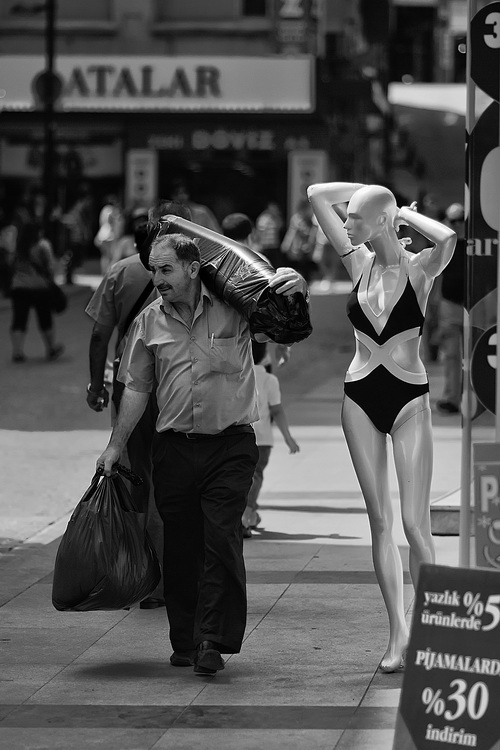 p_universe funny street photography