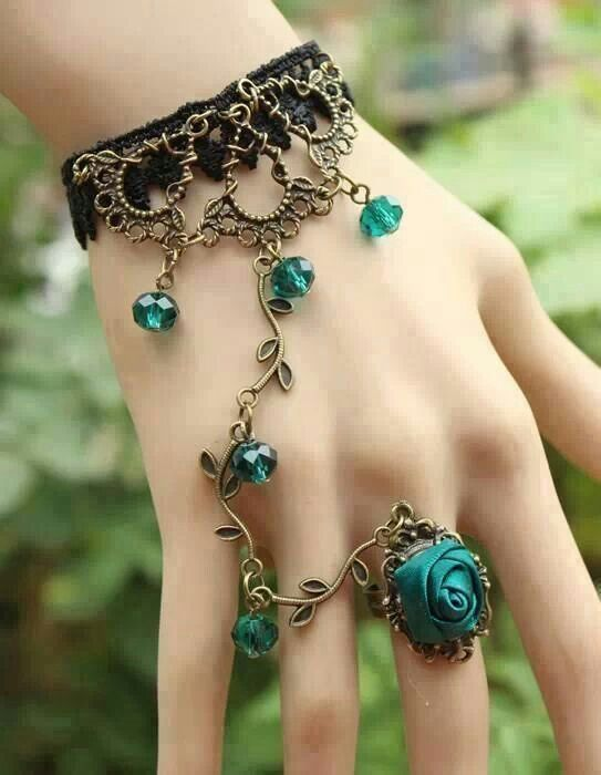 charming-vintage-and-antique-jewelry07