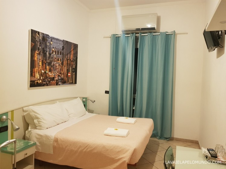 foto do interior do quarto no THE BEEHIVE HOSTEL em roma