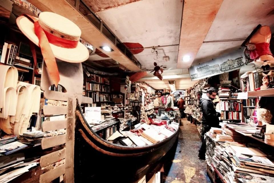 libreria acqua alta venezia 3