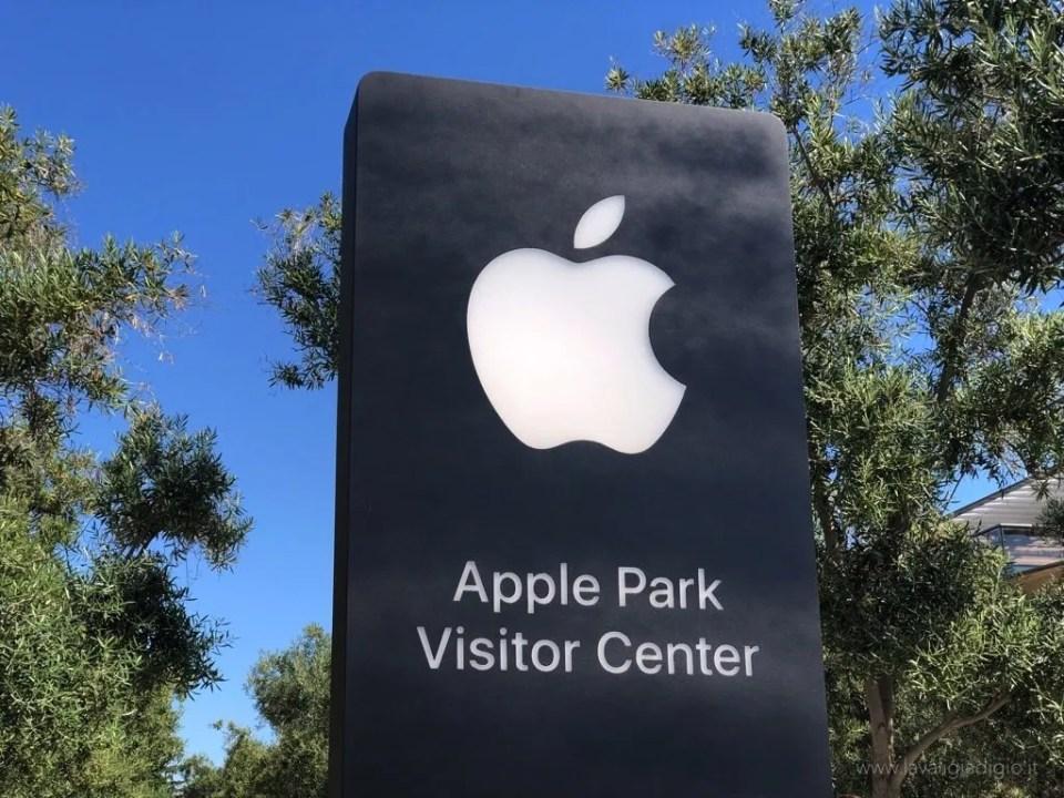 Apple Park visitor center cartello