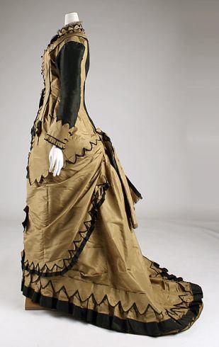 Women's dress, 1870-1881. Metropolitan Museum of Art, 50.105.17