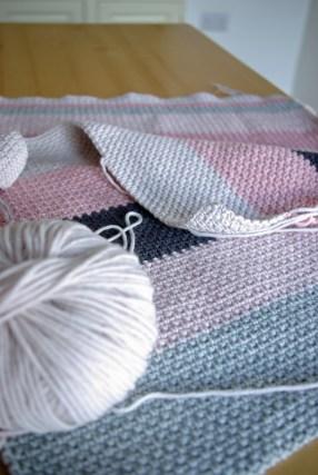 moss stitch cushion 2