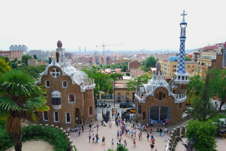 """Ginger Bread House"" Pavilion - The Ultimate Guide to Antoni Gaudi's Park Guell"