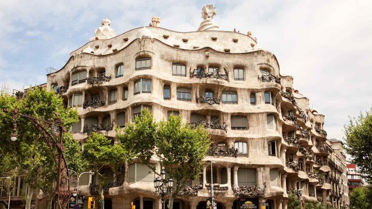 Casa Milà (aka La Pedrera) - Antoni Gaudi Guide to Barcelona