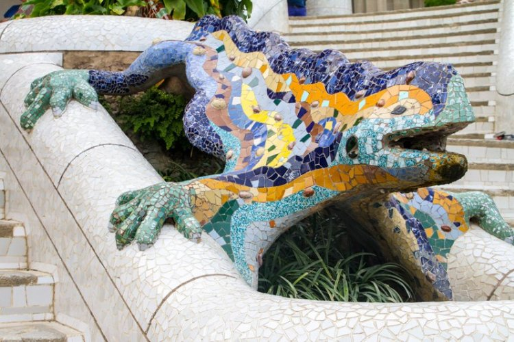 Dragon Fountain - The Ultimate Guide to Antoni Gaudi's Park Guell