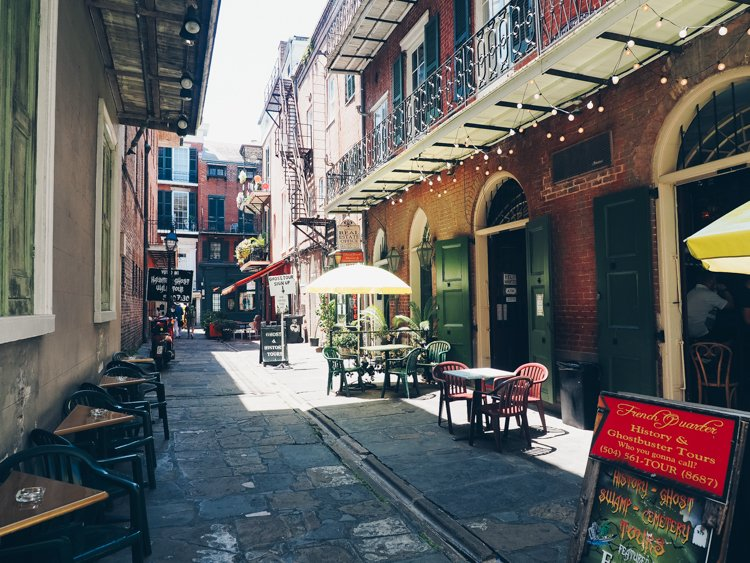 New Orleans photography - Pirate's Alley