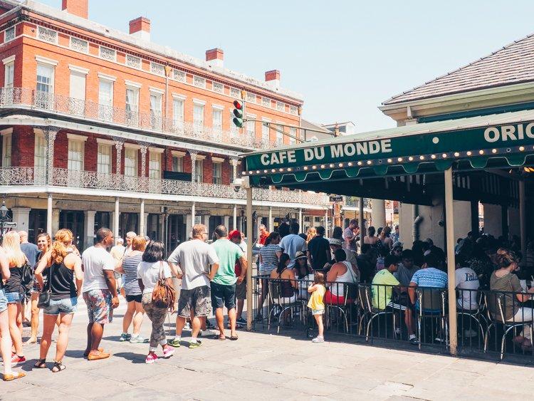 Cafe Du Monde - The French Quarter - Visiting New Orleans