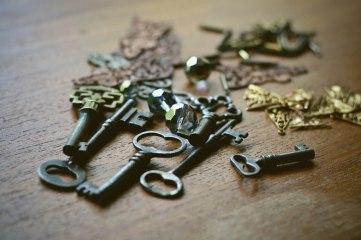 L'AVENIR // skeleton keys