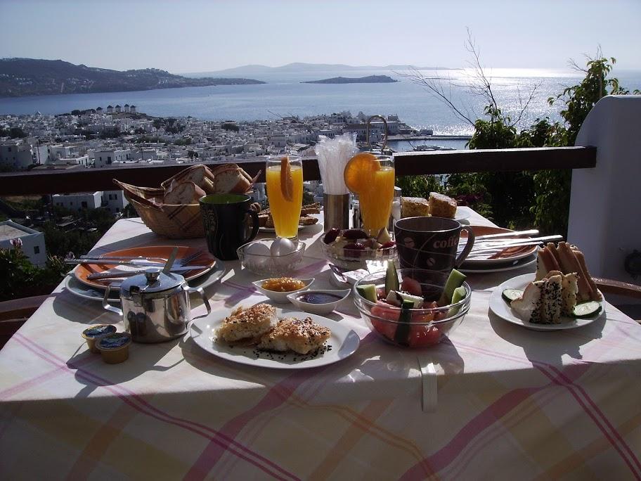 Services - Breakfast at La Veranda