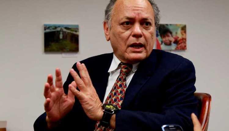 vacunas Carlos Raúl Hernández