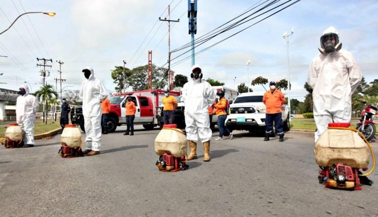 Desinfectan 35 urbanismos de Maturín para prevenir el Covid-19