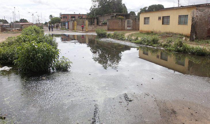 Más de 1.500 familias afectadas por el desbordamiento de cloacas