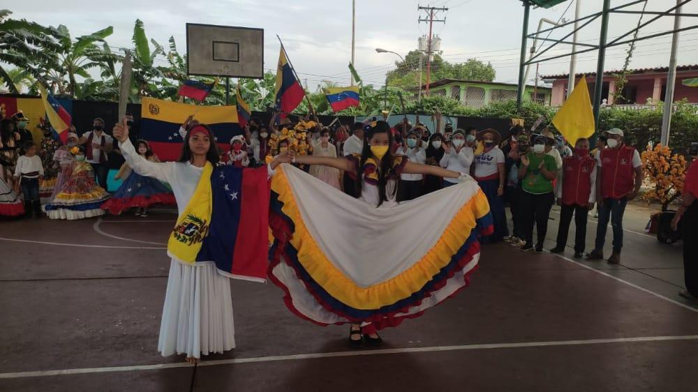 con actos culturales recibieron a la antorcha bicentenaria en los godos laverdaddemonagas.com antorcha2