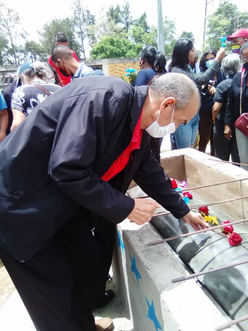 emotivo acto de despedida al dirigente de izquierda teodoro guevara laverdaddemonagas.com img 20210612 wa0459