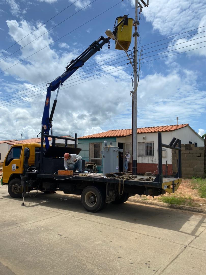 con la instalacion de mil 500 bombillos iluminaran al municipio ezequiel zamora laverdaddemonagas.com alumbrado1