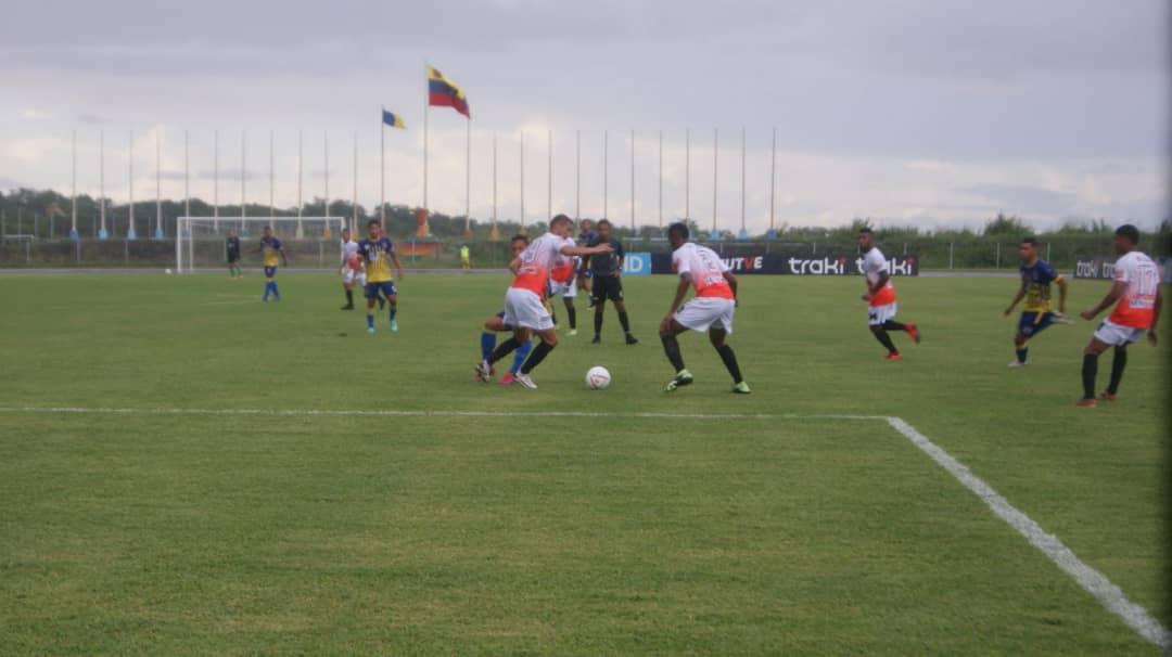 atletico la cruz consiguio heroico punto ante angostura fc laverdaddemonagas.com fot1 2