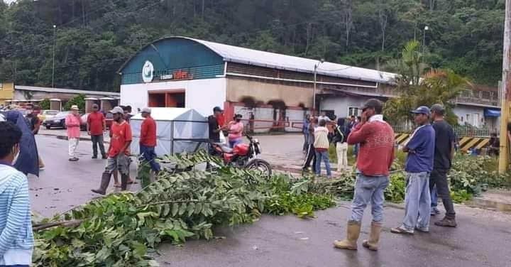 autoridades tienen de monigotes a cariperos con la venta de gas domestico laverdaddemonagas.com whatsapp image 2021 08 24 at 1.37.36 pm 1