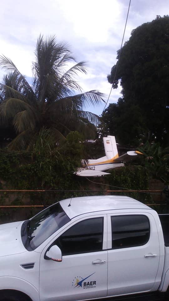 avioneta se estrella en el sector brisas del aeropuerto en maturin laverdaddemonagas.com whatsapp image 2021 08 21 at 6.19.43 pm