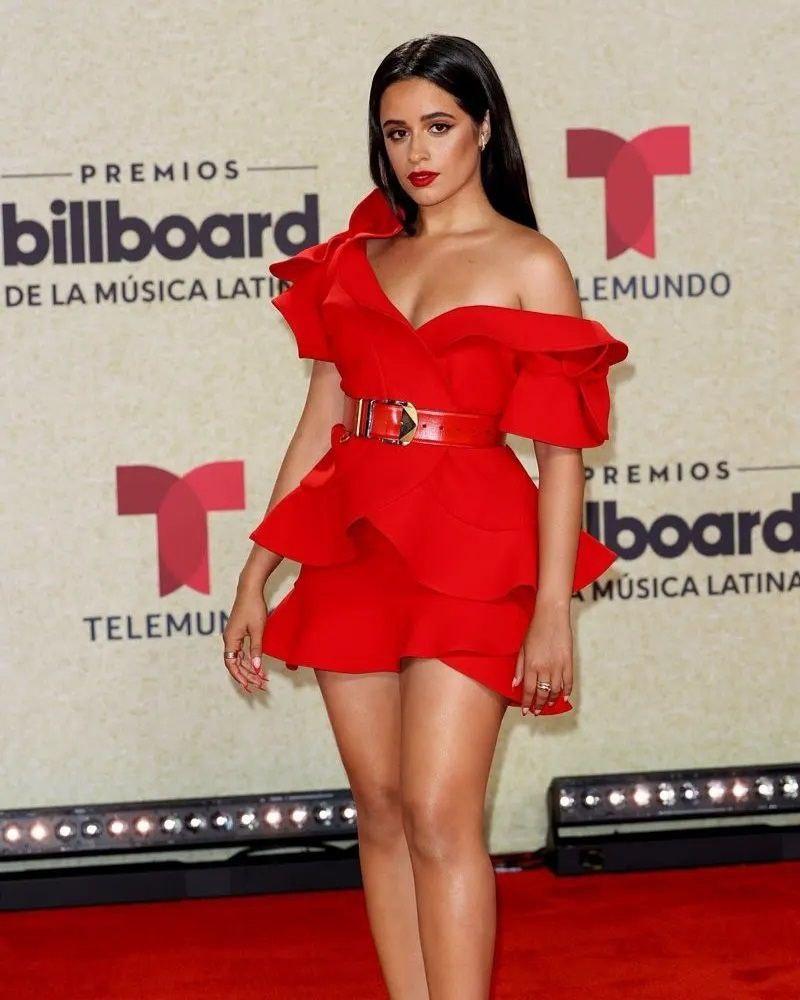 aqui los trajes de la alfombra roja de los billboard 2021 laverdaddemonagas.com photo5073725062850390374