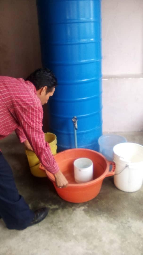 comunidad los cortijos vive un calvario diario en busca de agua laverdaddemonagas.com agua cortijos 2