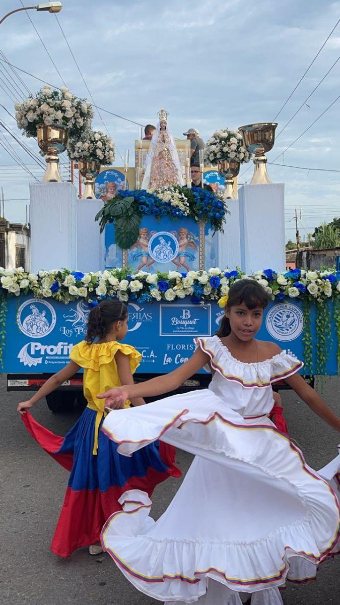 devocion a vallita presente a su paso por calles de maturin laverdaddemonagas.com va6