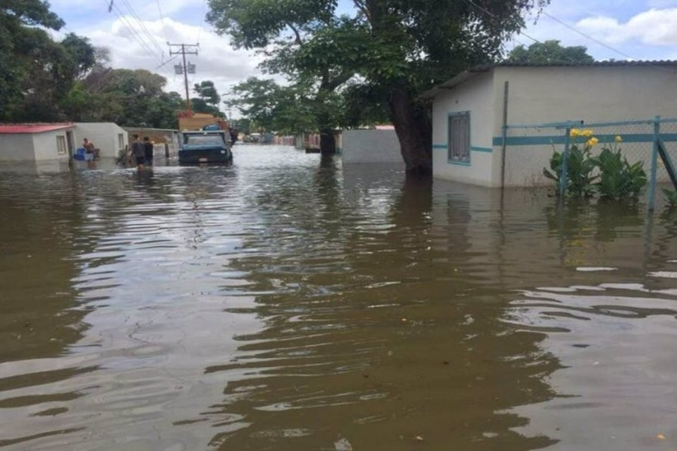rio yocoima del estado bolivar se desbordo tras cuatro horas de lluvias laverdaddemonagas.com rio 2