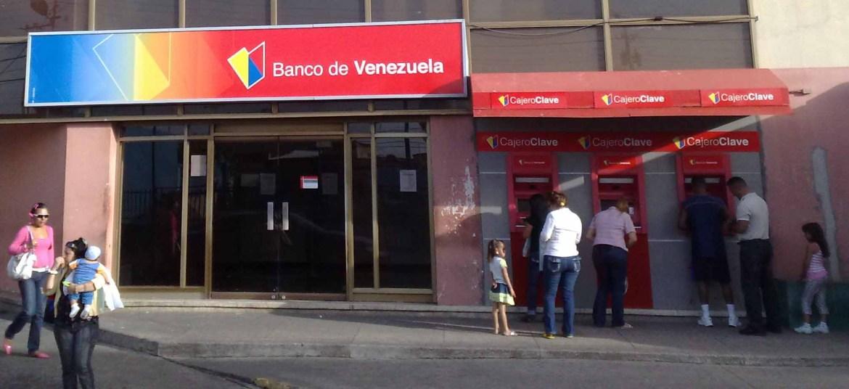 robados asi quedaron algunos usuarios del bdv laverdaddemonagas.com fachada banco de venezuela 1