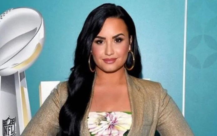 Demi Lovato forgets the words of the song in the full interview