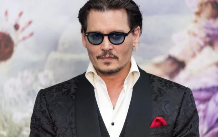 Johnny Depp breaks record of followers on his first day I Already have Instagram!