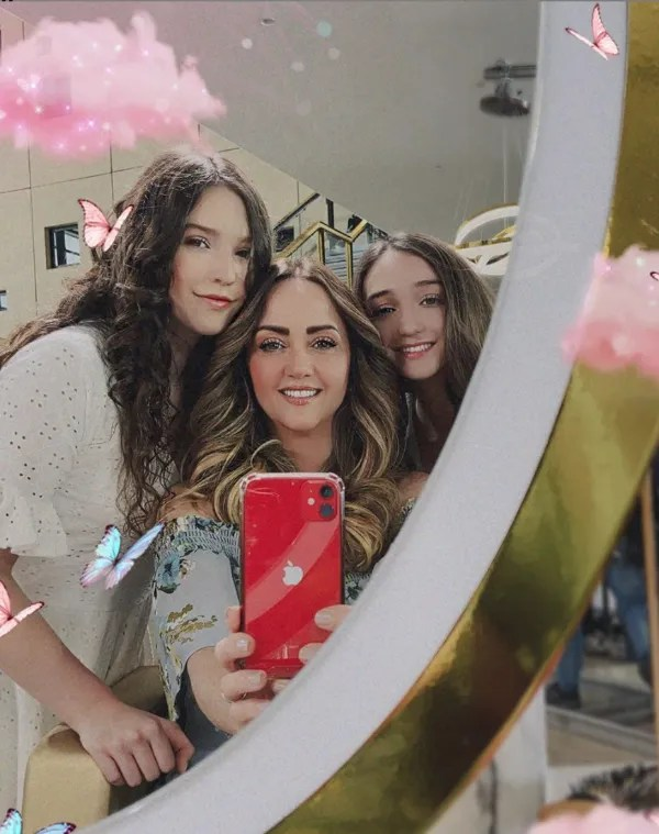 Daughters of Andrea Legarreta you are prohibited to join TikTok What Are they ashamed of it?