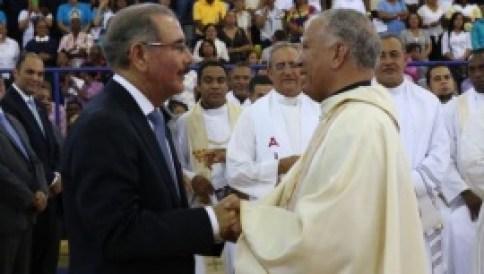danilo medina y obispo
