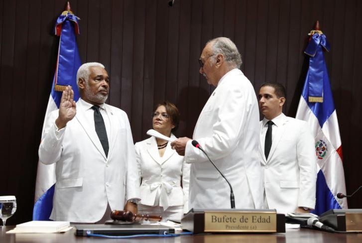 Juramentan a Radhamés Camacho como presidente de la Cámara de Diputados