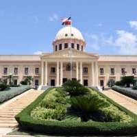 Poder Ejecutivo pone en retiro a 10 generales de la Policía