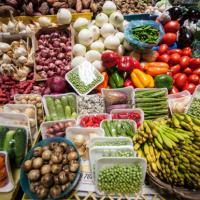 """Gobierno continuará programa """"Canasta Segura""""; afirma precios de productos básicos se estabilizarán"""