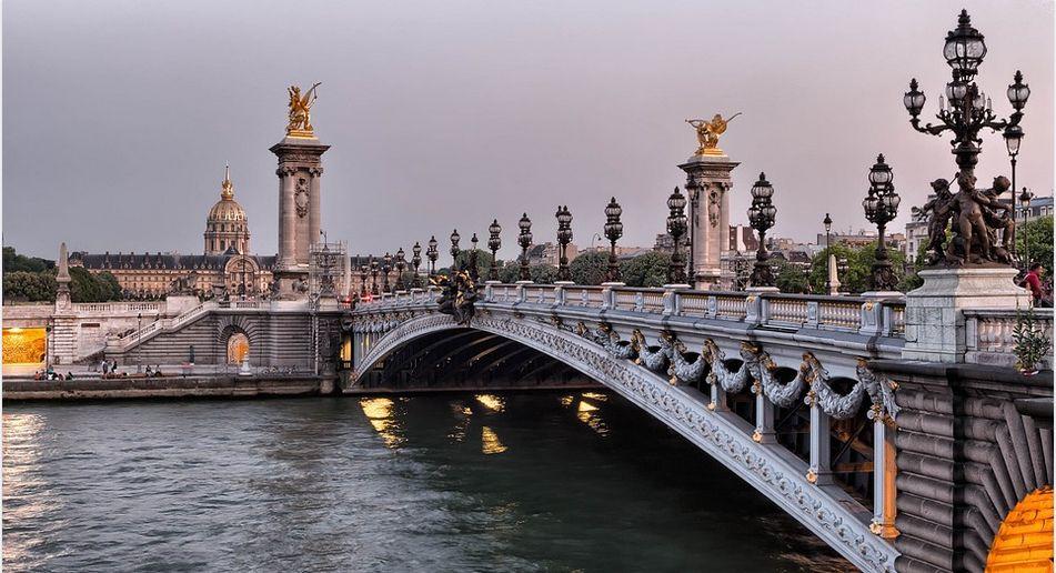 アレクサンドル橋