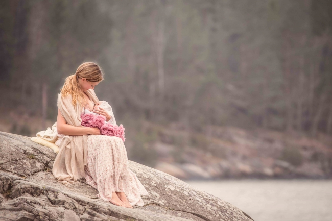 tammy-nicole-photography-newborn-baby-maternity-breastfeeding-english-espanol-munich-family41.jpg