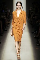 Bottega Veneta- Spring 2010: believe it or not, it's a dress. and it's hot. and if it were black, blue, brown or something in that color family, I'd like for it to be called a female suit.