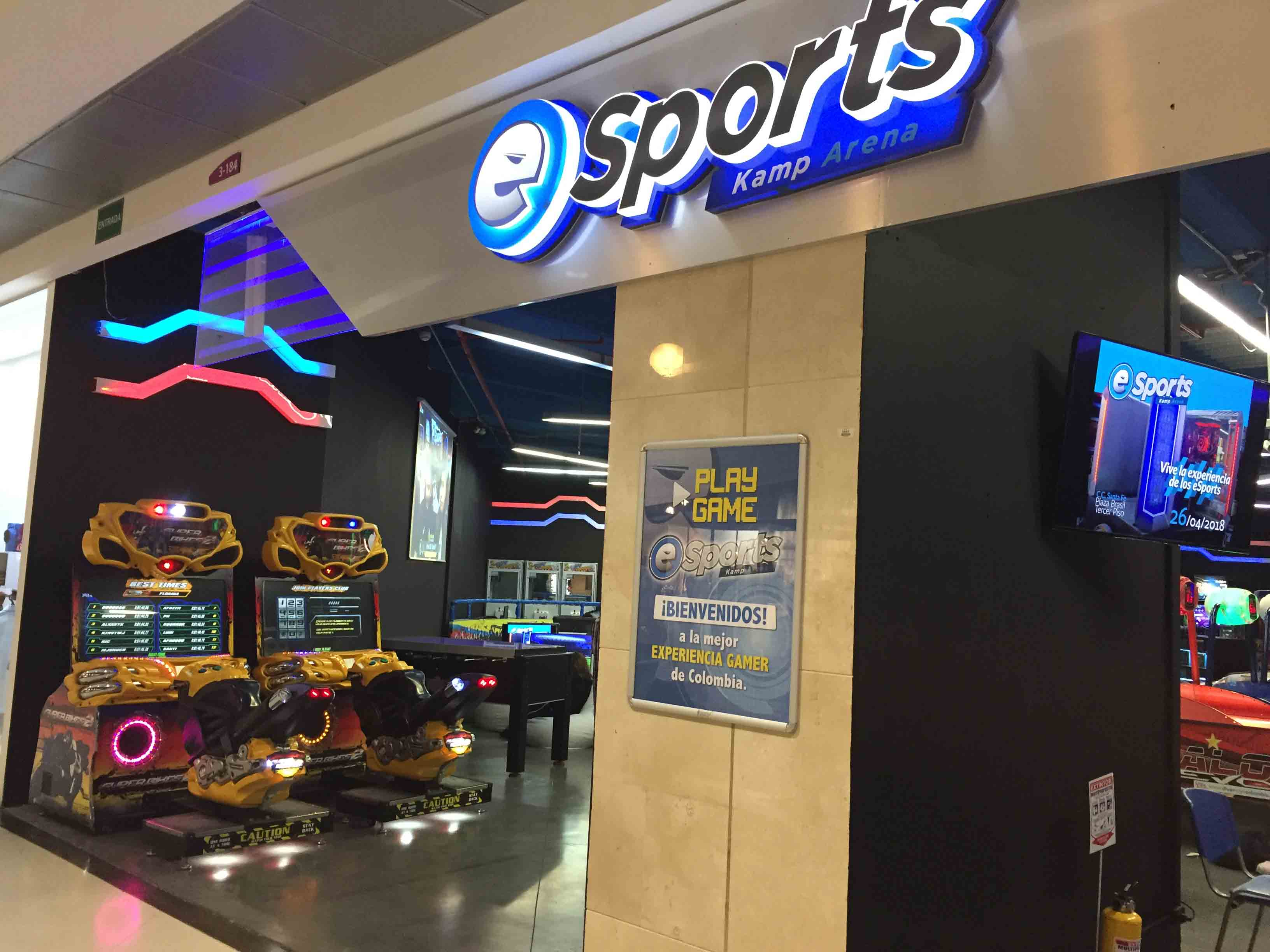 eSports-Kamp-Arena-La-vida-es-un-videojuego-1