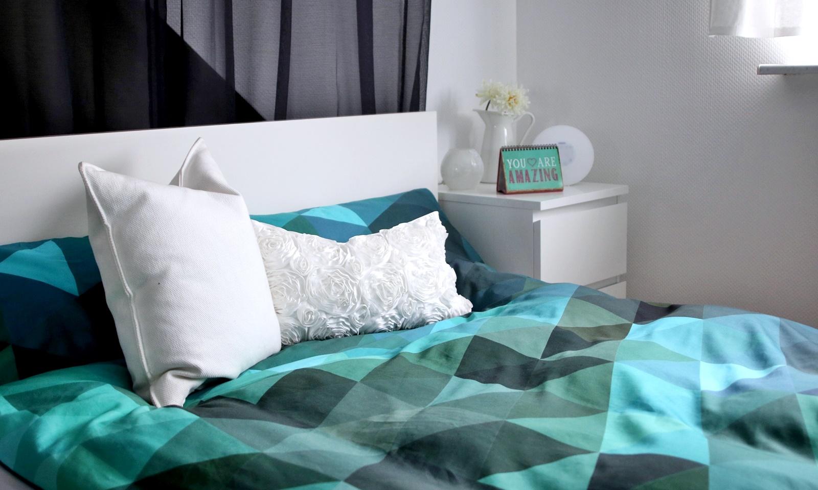 Bettwasche Grun Blau Kinderbettwasche Apfel Blau Grun 100x135 Von