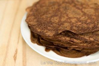 Crêpes au chocolat. Petit déjeuner chocolaté. #SaintValentin #recette | lavietoutsimplement.com