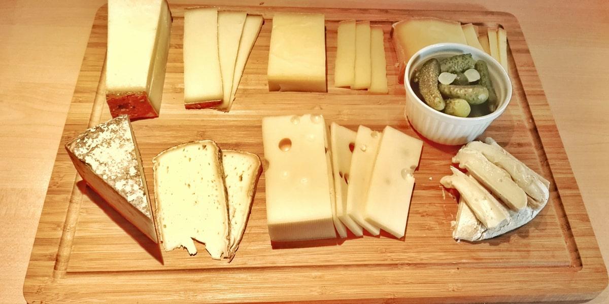 Planche de fromages savoyards