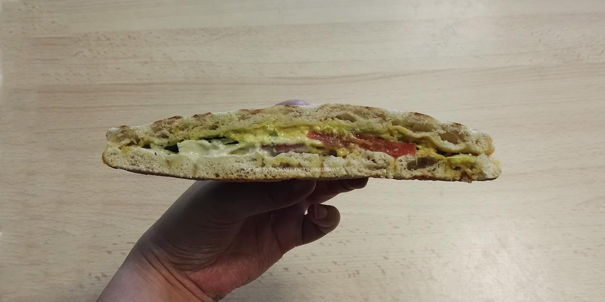 J'ai testé pour vous : le sandwich suedois au poulet au curry – boulangerie les délices de la gare