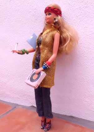 Handmade by Lavinia Rears / LaviOlaWorld Anti Barbie