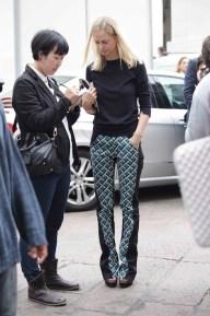street-style-milan-fashion-week-geometric-print-pants